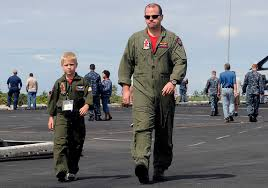 military-father-child.jpg